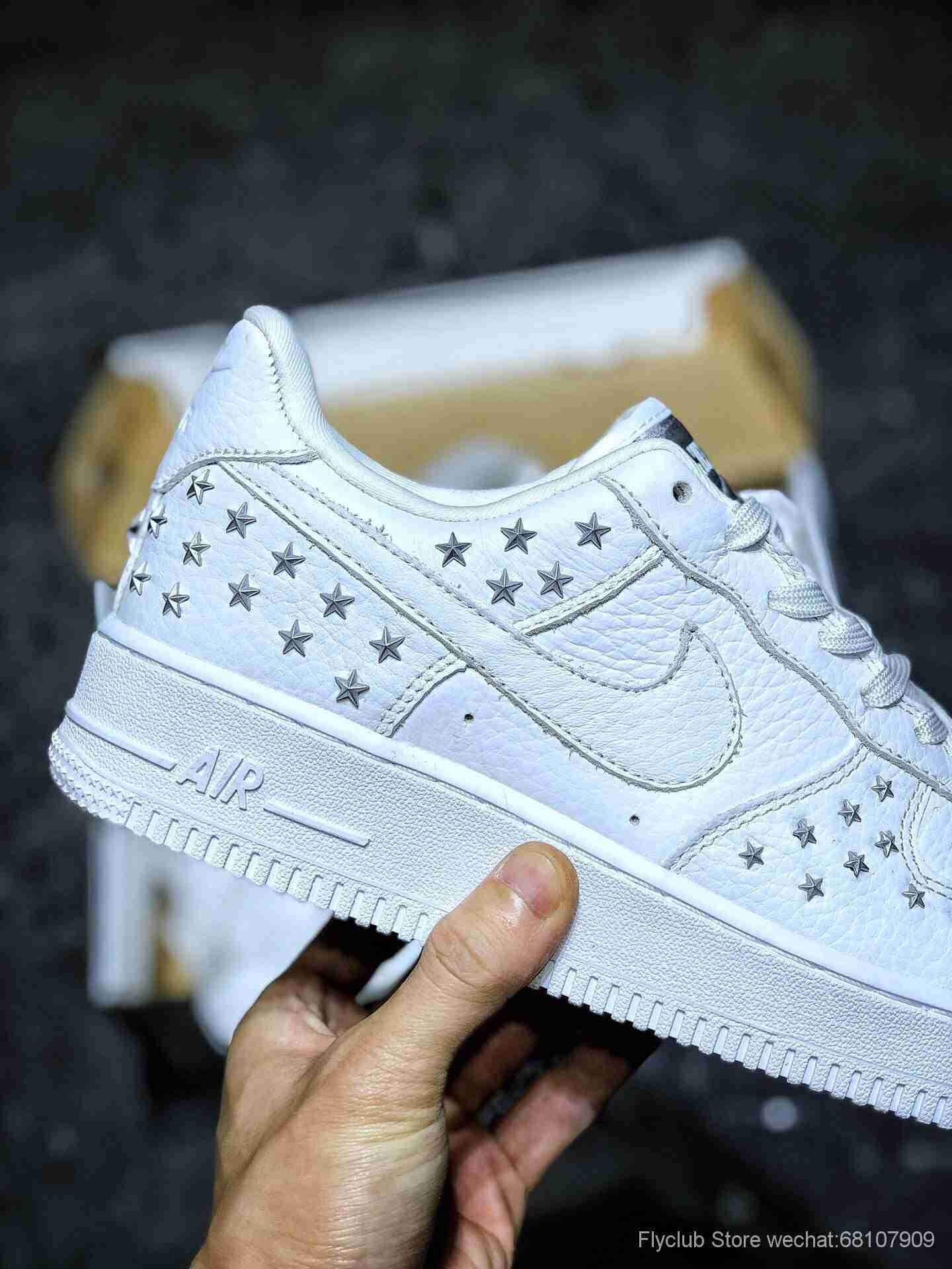 Nike Air Force 1 AF1 金属铆钉星星 空军一号女子板鞋 ,货号AR0639-100