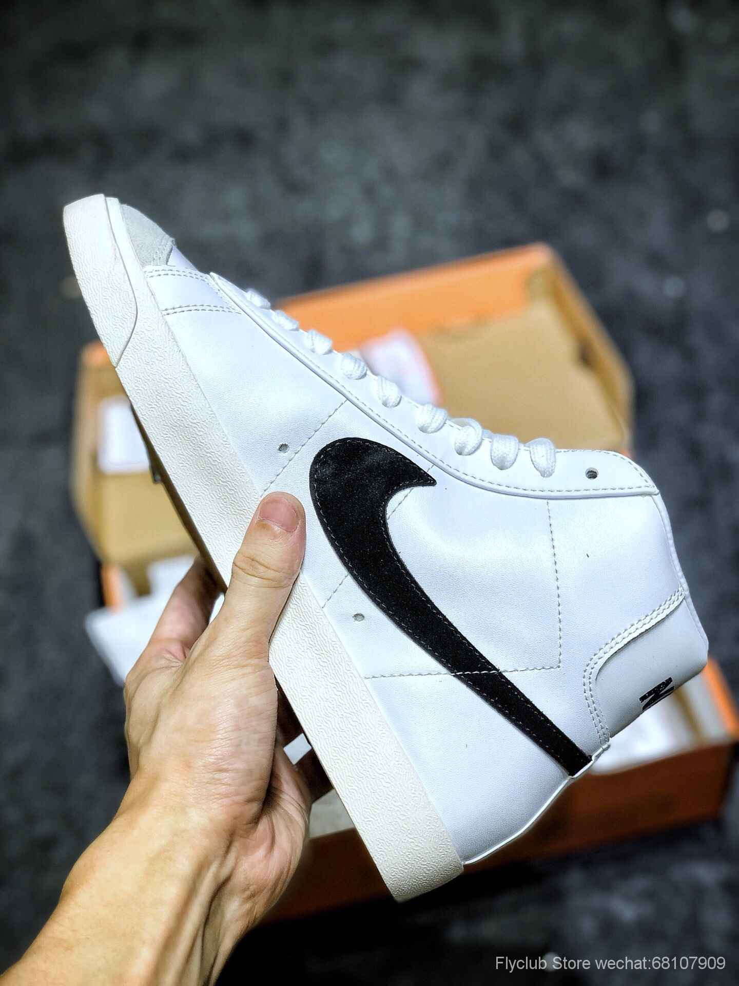 Nike Blazer Mid 77 VNTG QS 开拓者高帮奶油白黑大勾复古板鞋