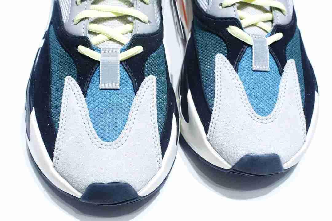 "f404纯原特供 Adidas Yeezy 700 Boost Runner ""Solid Grey""初代白灰色"
